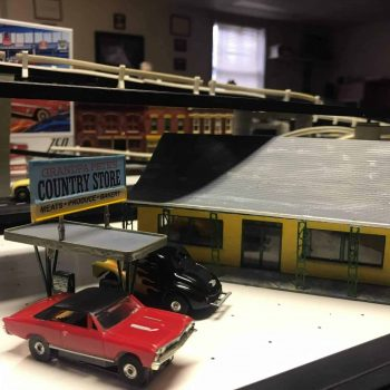 Model Car Slot Track Country Store Close